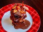 Na Cozinha: saiba como fazer brownie de chocolate... com bacon? Omar Freitas/Agencia RBS