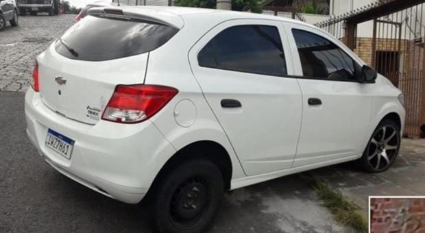 Carro usado em diversos roubos é localizado pela Brigada Militar em Caxias do Sul Brigada Militar/Divulgação