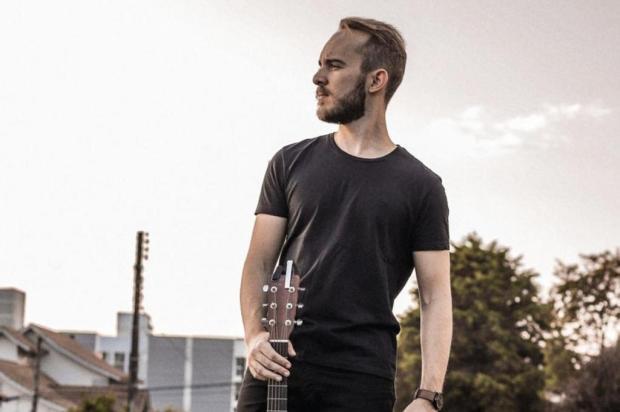 Caxiense Rafael Witt lança single com foco no mercado internacional Arthur Deboni/Divulgação