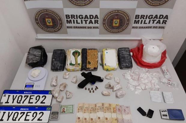 Jovem é preso com mais de 8 quilos de drogas em Caxias do Sul Brigada Militar/Divulgação