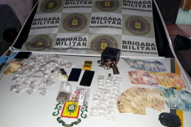Jovens são presos por tráfico de drogas em Bento Gonçalves Brigada Militar/Divulgação