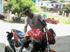 """""""A moto era a vida para ele"""", diz esposa de motociclista morto em acidente, em Caxias do Sul Henrique de Oliveira,facebook/Reprodução"""