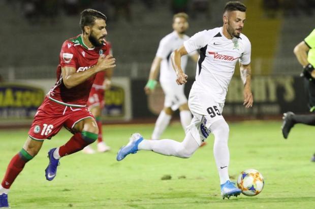 Longe da família, jogador caxiense comenta paralisação no Chipre DOXA Katokopia FC/Divulgação