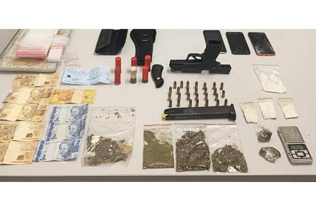 Preso em domiciliar é flagrado fazendo telentrega de drogas em Caxias do Sul Brigada Militar / Divulgação/Divulgação
