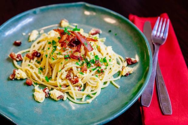 Rápido e fácil: prepare espaguete à carbonara Omar Freitas / Agencia RBS/Agencia RBS