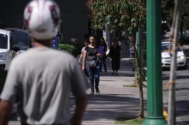 População ignora riscos de contágio e o movimento aumenta nas ruas de Caxias do Sul Antonio Valiente/Agencia RBS