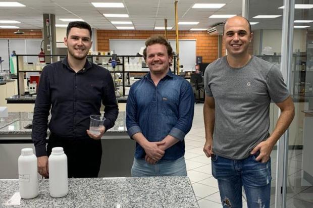 """#juntoscontraovírus: caxiense ajuda a criar """"nova fórmula"""" para o álcool gel ISABEL WASCZUK/Divulgação"""