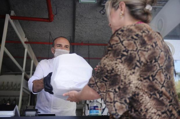 Restaurantes e casas de lanche de Caxias buscam minimizar perdas estimadas em mais de 60% com serviços de entrega Antonio Valiente/Agencia RBS