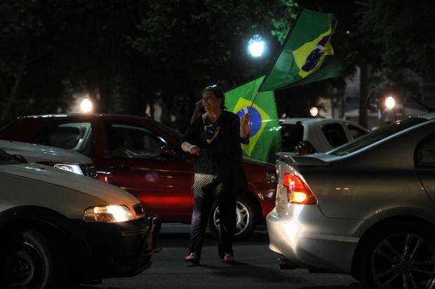 Caxienses repetem manifestação pedindo a volta às atividades Marcelo Casagrande/Agencia RBS