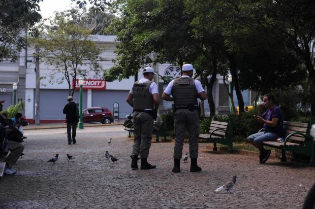 Com ruas vazias, ocorrências diminuem e PMs auxiliam na conscientização da comunidade em Caxias do Sul Marcelo Casagrande/Agencia RBS