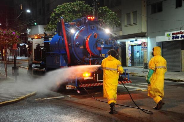 Prefeitura começa processo de desinfecção nas ruas de Caxias do Sul Porthus Junior/Agencia RBS