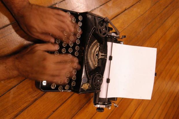 Editora gaúcha convida escritores a participarem do projeto Quarentena Criativa Charles Guerra/Agencia RBS