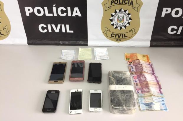 Mulher é presa com drogas em possível esconderijo de armas em Caxias do Sul Polícia Civil / Divulgação/Divulgação