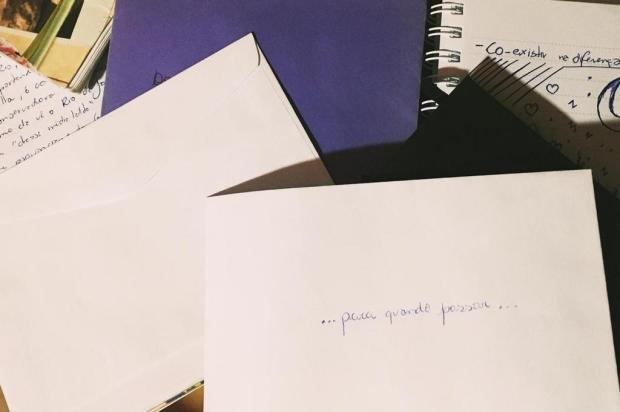 Caxiense convida pessoas a escreverem cartas para manter esperança durante isolamento social Débora Bregolin/Divulgação