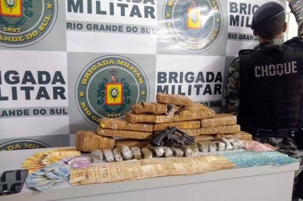 Homem é preso com revólver e sete quilos de maconha em Guaporé Brigada Militar / Divulgação/Divulgação