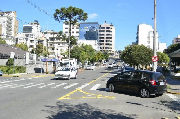 Rua Alfredo Chaves volta a ter mão dupla próximo à prefeitura de Caxias Rodrigo Rossi/Divulgação