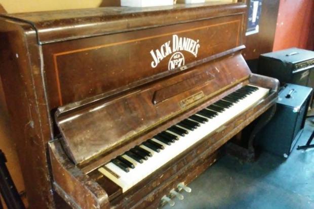 Primeiro objeto comprado para o Mississippi Delta Blues Bar será leiloado junto com outras peças Toyo Bagoso/Divulgação