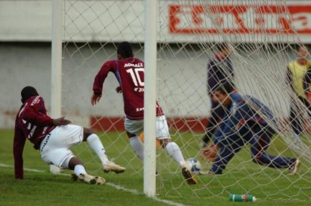 Jogos marcantes: Caxias consegue goleada dramática pela Série C de 2009 Ricardo Wolffenbüttel/Agencia RBS
