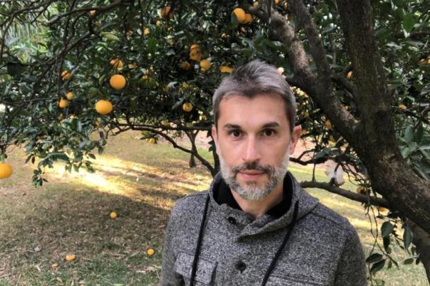 Caxiense Marcos Mantovani lança novo romance Caroline Bianchi/Divulgação