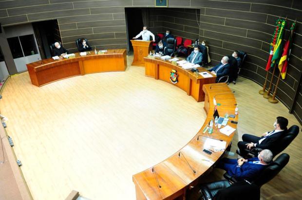Durante manifestações, seis vereadores declaram voto a favor da cassação do prefeito de Farroupilha Porthus Junior/Agencia RBS