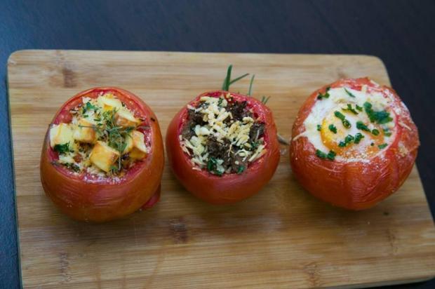 Três receitas de tomate recheado para você fazer agora mesmo Andréa Graiz/
