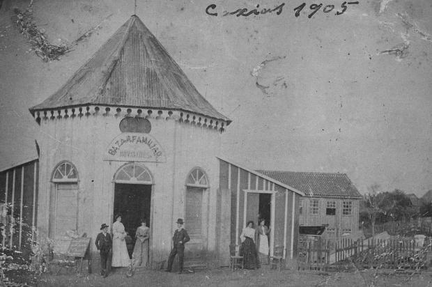 Anuncio Ungaretti e o segundo quiosque da Praça Dante em 1898 Acervo Arquivo Histórico Municipal João Spadari Adami/divulgação