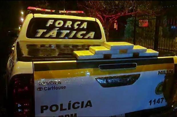 Jovem é preso com mais de seis quilos de cocaína depois de bater o carro ao tentar fugir em Farroupilha Brigada Militar/Divulgação