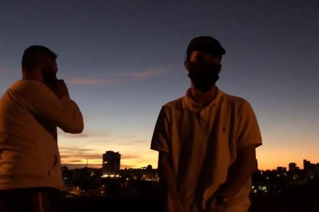 VÍDEO: veja o novo clipe do rapper caxiense Krag Reprodução/Divulgação