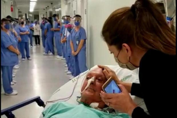 VÍDEO: idoso vítima de Covid-19 recebe homenagem ao ter alta da UTI, em Bento Gonçalves Reprodução/Divulgação
