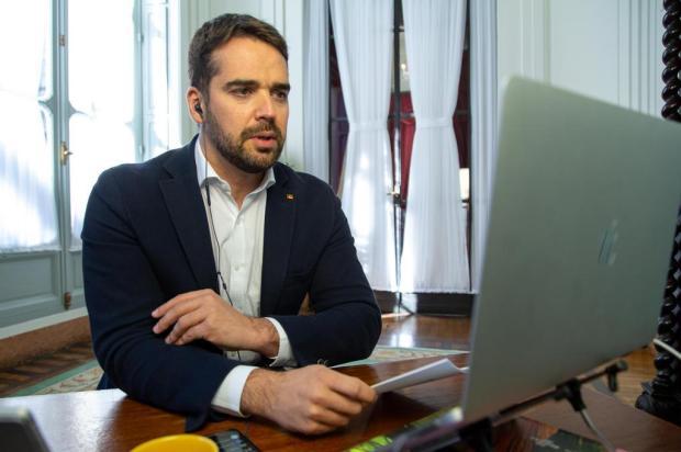 Aulas serão retomadas nas redes pública e privada de forma remota a partir de segunda-feira no Estado Gustavo Mansur/Palácio Piratini/Divulgação
