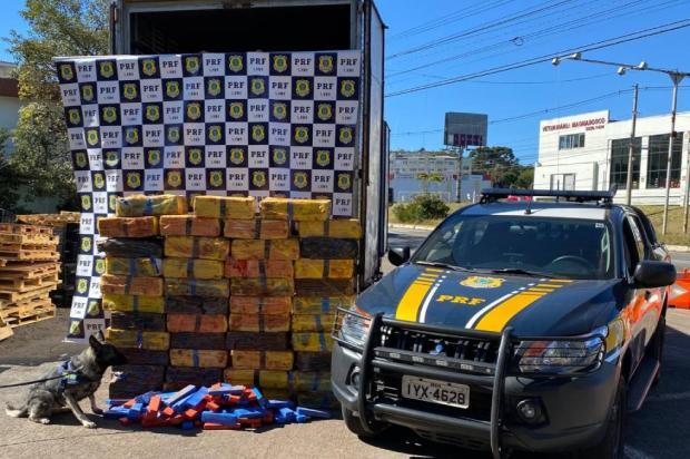 PRF encontra uma tonelada de maconha dentro de caminhão de mudança, em Caxias do Sul PRF / Divulgação/Divulgação