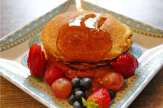 Café da manhã especial: faça panquecas americanas Destemperados/