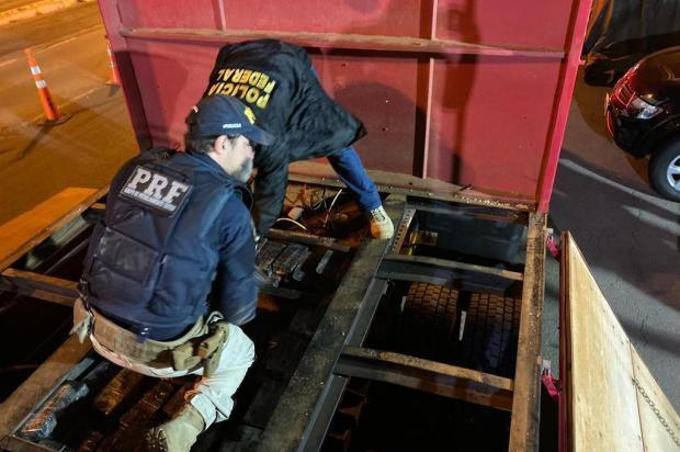 Policiais encontram 200 quilos de cocaína escondidos em carreta na BR-116, em Caxias do Sul Polícia Federal/Divulgação
