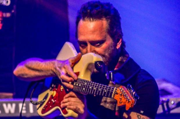 Rafa Schuler faz live para lembrar dos tempos de Lucille Band Monique Maccari/Divulgação