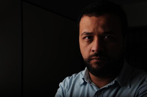 """""""Quando o policial coloca o joelho no pescoço do Floyd, expõe a lógica da desumanidade"""", diz professor caxiense Antonio Valiente/Agencia RBS"""