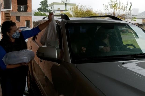 Paróquia São José, em Caxias, vende kits para almoço de Dias dos Pais Siliane Vieira / Agência RBS/Agência RBS