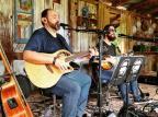 Músicos florenses Maicon & Pontel fazem live dedicada ao Dia dos Namorados Divulgação/