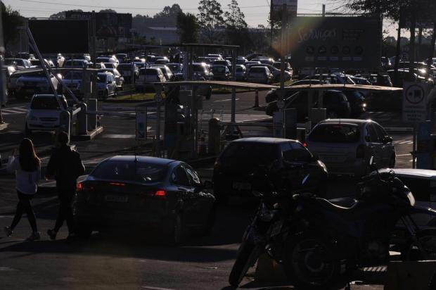 Centro vazio e shoppings cheios: como foi o último dia antes da troca da bandeira em Caxias do Sul Marcelo Casagrande/Agencia RBS