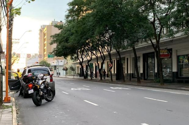 Pedestre é atropelado na Rua Sinimbu, em Caxias do Sul André Fiedler/Agência RBS