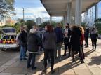 Manifestação na frente da prefeitura pede reabertura do comércio em Caxias do Sul André Fiedler/Agência RBS