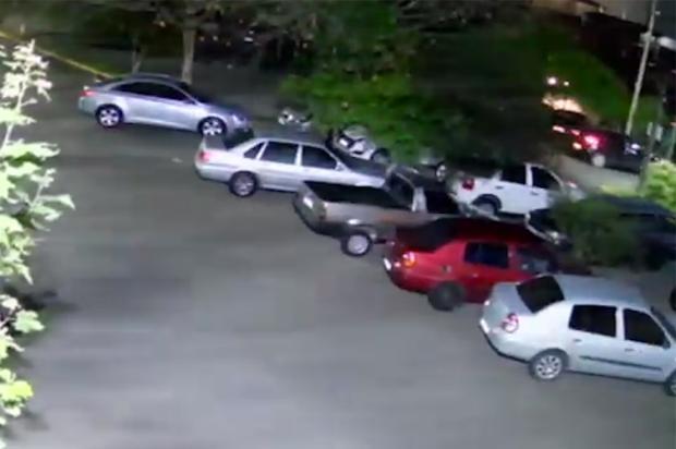 VÍDEO: confira o momento do assassinato no estacionamento da Codeca, em Caxias do Sul Câmera de segurança / Divulgação/Divulgação