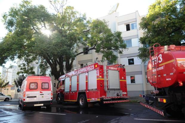 Quatro pessoas são atendidas pelo Samu após incêndio em apartamento de Caxias Antonio Valiente/Agencia RBS