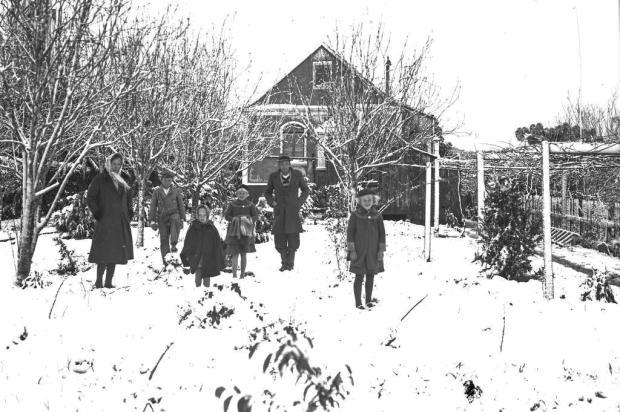 Hugo Neumann e a neve de 1942 em Linha Imperial Hugo Neumann,acervo de família/Divulgação