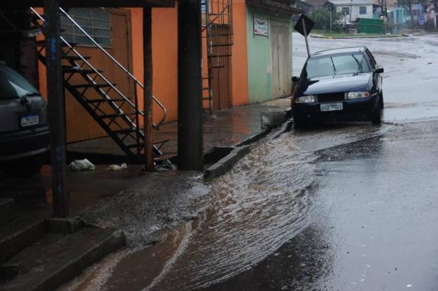 Chuva provoca pontos de alagamentos e transtornos em bairros de Caxias Antonio Valiente / Agência RBS/Agência RBS