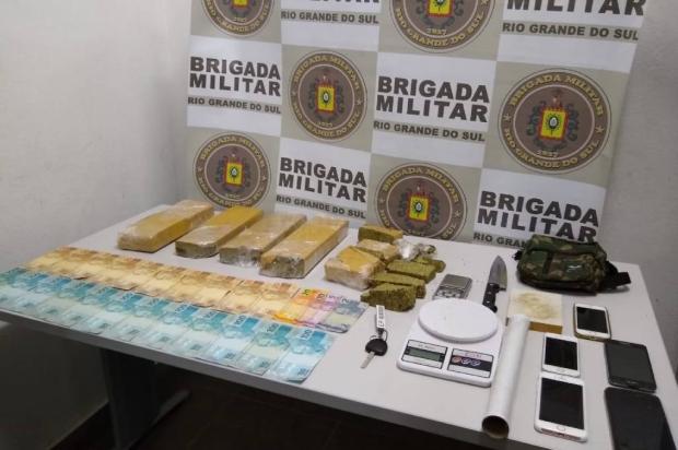 BM flagra telentrega e apreende mais de 5 quilos de maconha em Caxias do Sul Brigada Militar / Divulgação/Divulgação
