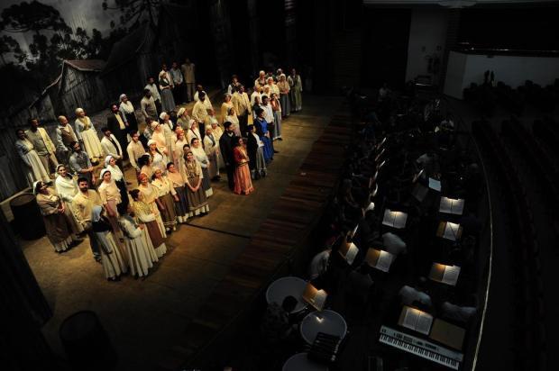Maestro Manfredo Schmiedt relembra momentos marcantes da UCS Orquestra Porthus Junior/Agencia RBS