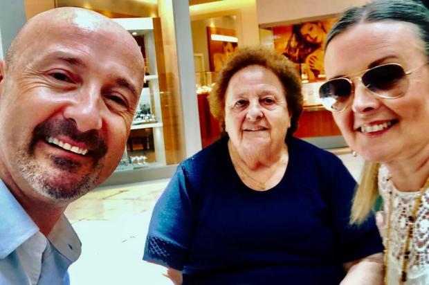 """""""A mãe era o amor em pessoa"""", diz filho de vítima do coronavírus em Caxias Emerson de Vargas/Arquivo Pessoal"""