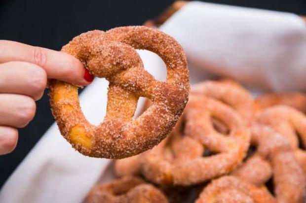 Na Cozinha: confira uma receita simples de pretzel Omar Freitas / Agência RBS/Agência RBS
