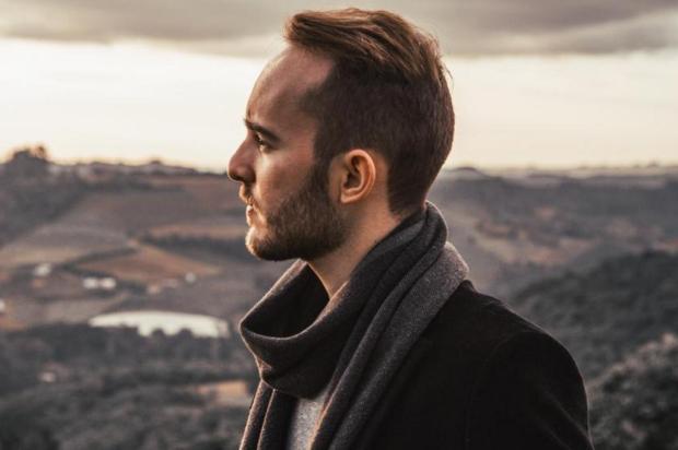 Caxiense Rafael Witt mostra novo single nesta sexta Geórgia Thomé/Divulgação