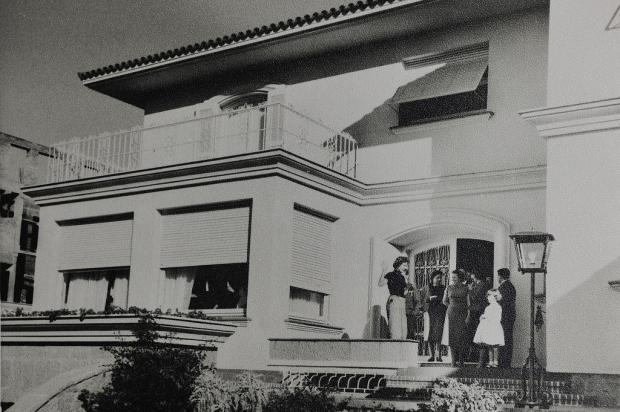 Martha Rocha no casarão da família Pettinelli em 1955 Acervo família Pettinelli/divulgação